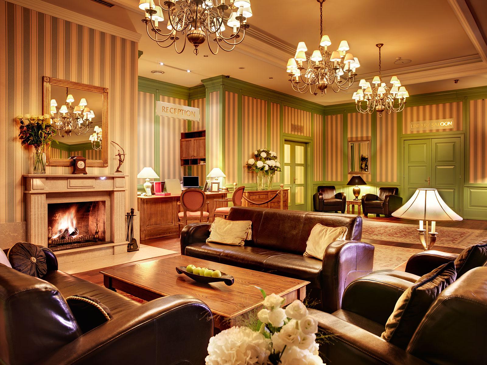 Hotel Marrols 001